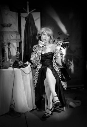 Peggy-Moore-Film-Noir-Dame-001